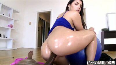 Porn Queen Valentina Enjoys Ass Slamming With Her Boyfriend