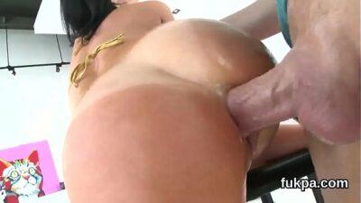 Ravishing Model Flaunts Big Ass And Gets Anal Penetrated