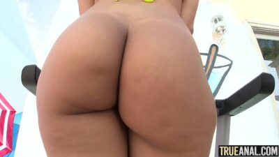 Valentina Jewels First Anal Experience