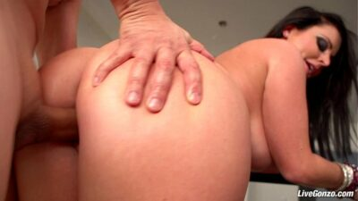 Sophie Dee BBW Gets Some Hard Anal Action