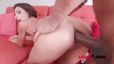 Lady Milf gets first anal with Ed j. YE025