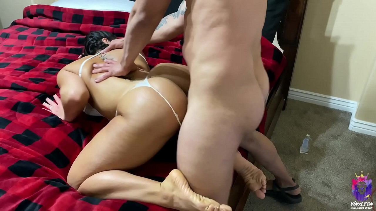 Sisters fuck with strapon