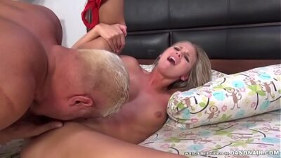 Scarlet Red Has Multiple Squirting Orgasms With Porno Dan!