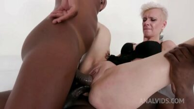 Espere has kinky anal sex with black bulls KS045