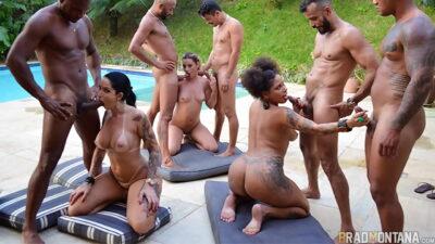 Orgia na piscina com as estrelas do pornô Elisa Sanches, Giovana Bombom, Patricia Kimberly // Foda…