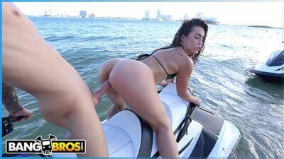 BANGBROS – Big Ass Latina Babe Kelsi Monroe Rides A Water Craft And A Cock In Public