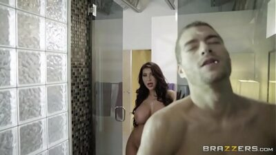 Brazzers – August Taylor Free Beach — FULL video at camstripclubs.com