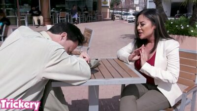 Trickery – Kaylani Lei tricked into anal sex with a stranger
