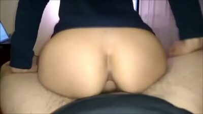 Amateur college babe reverse deep anal
